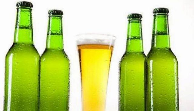 这么多年啤酒白喝了,没想到瓶盖用手就能拧开,学会再也不愁了